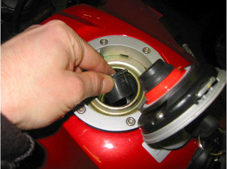 R1200GS fuel filler modification - improved tank capacity